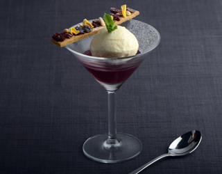 Recipe - Mulled wine jelly, vanilla ice cream and speculoos biscuit with dried fruits and nuts