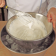 Technique chantilly cream