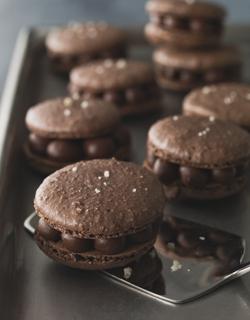 Recette - Macarons tout chocolat à la fleur de sel