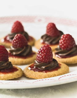 Recipe - Chocolate-raspberry brittany shortbreads