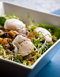 Recipe - Spinach Salad with Bacon and Poached Egg