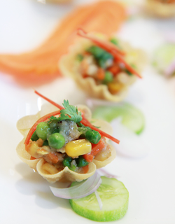 Recipe - Crispy golden pastry cups filled with minced pork and sweet corn (krathong thong)