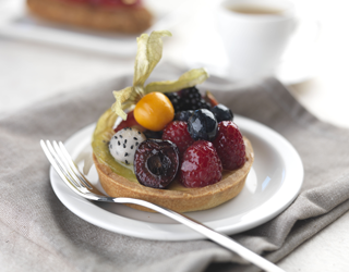 Recipe - Crème brûlée tart topped with fresh fruits