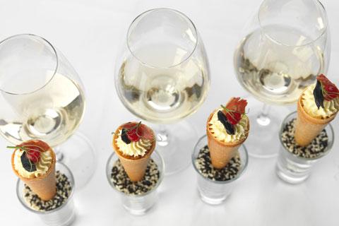 canapés and wine pairing - Le Cordon Bleu London