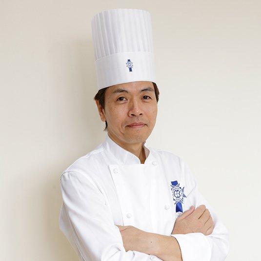 菓子講座の本田浩通シェフ