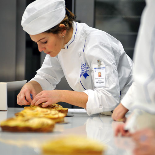 pastry finishing touches