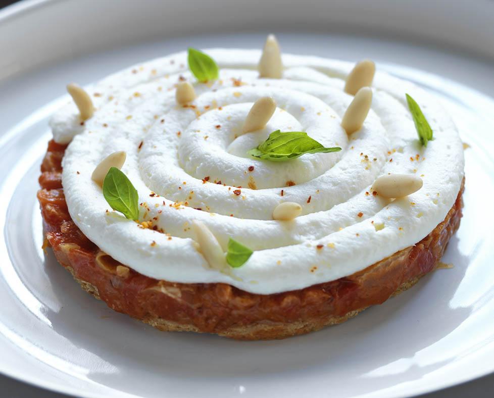 Tartaleta de queso de cabra y compota de pimientos rojos