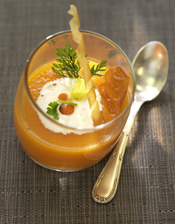 Recipe - Cumin flavored carrot cream and ricotta served in a glass