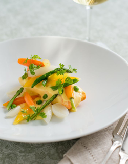 Recipe - Saffron poached halibut fillet, baby vegetables and aioli