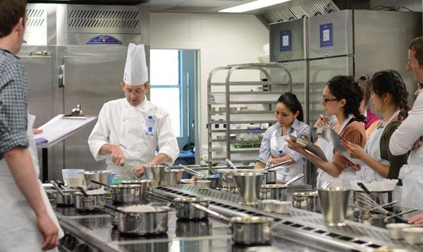 Summer cooking courses at le cordon bleu london